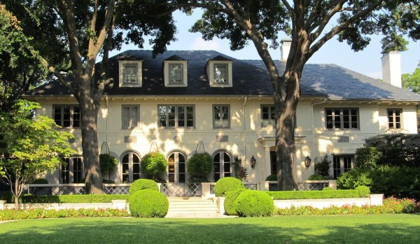 luxury_home-e1459960816907.jpg
