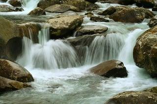 saratoga-springs-rock-waterfall