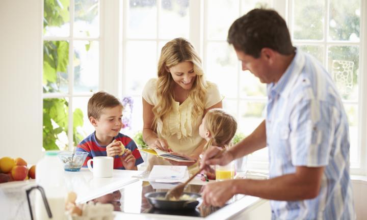 cooking-with-kids-20150410071932.jpg-q75,dx720y432u1r1gg,c--.jpg