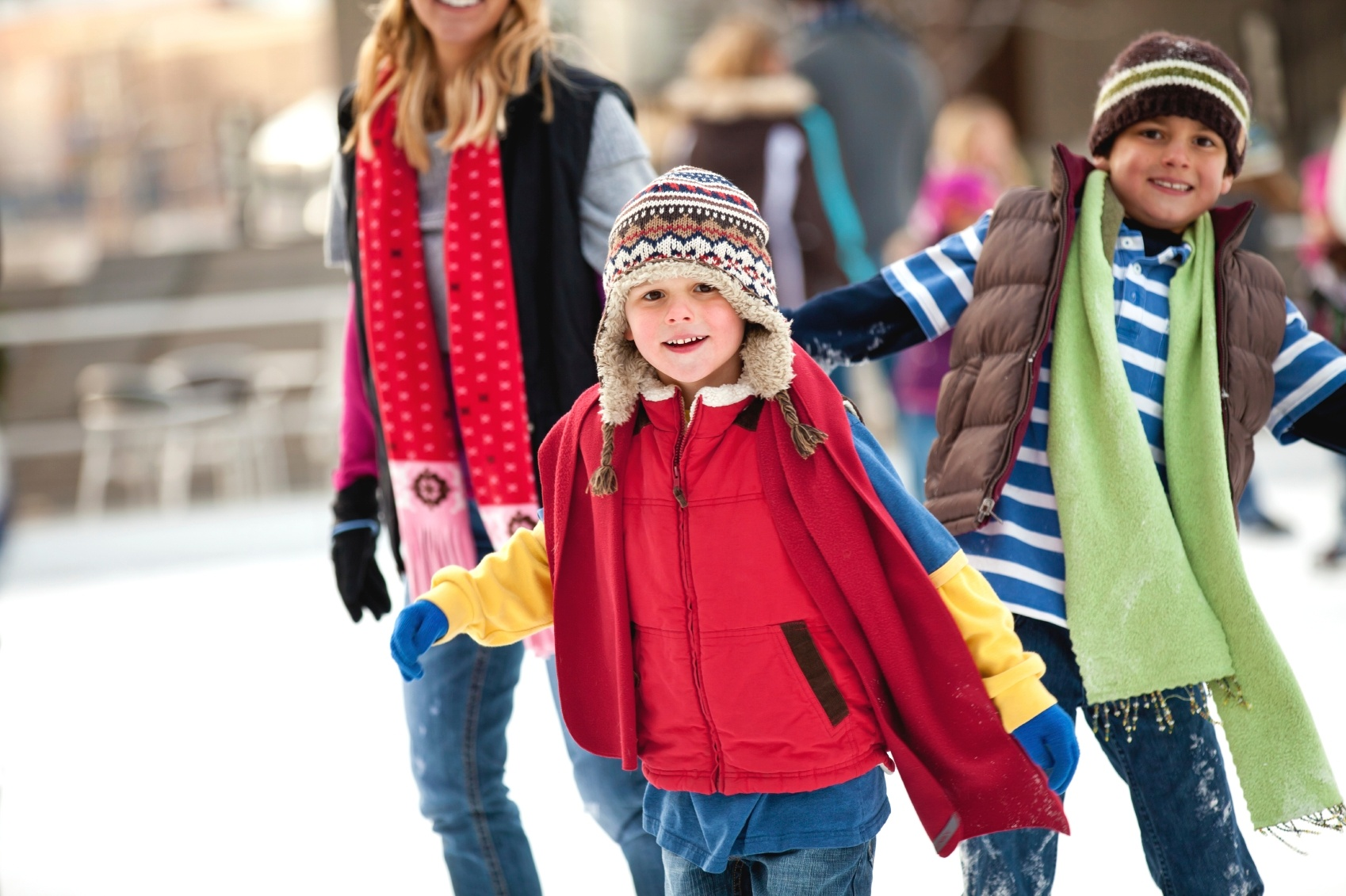 family-skating-outdoors1.jpg